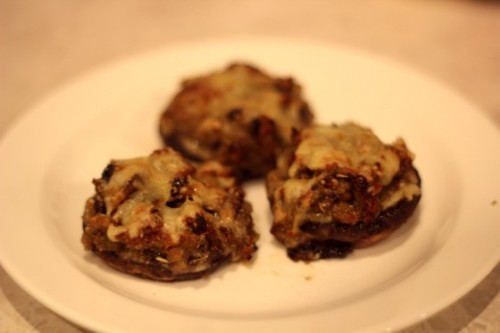 Talia's Treats: Stuffed Portabello MushroomsStuffed Portabello mushrooms: *please note, Talia says she just makes this to taste, so was kinda…View Postshared via WordPress.com
