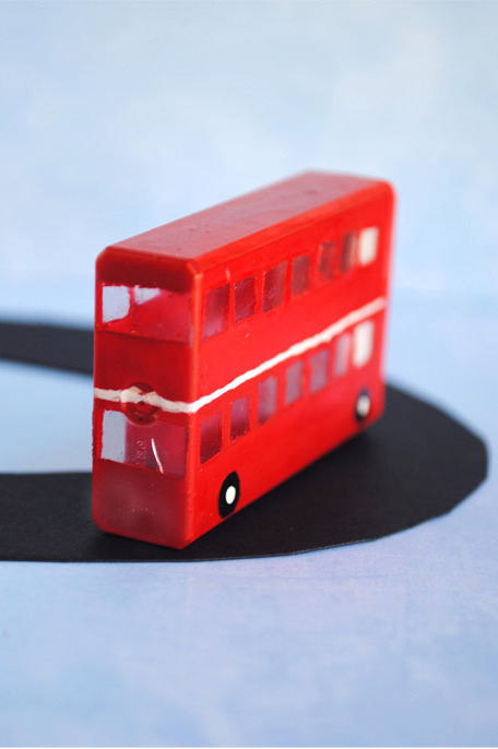 DIY Tic Tacs London Double Decker Bus Tutorial from Zakka Life here.