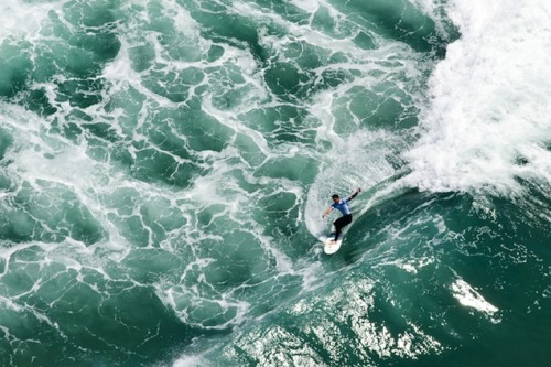 Our Favorite Shots from the 2012 Nike US Open of Surfing Sunday marked the conclusion of the 2012 Nike US Open of Surfing, a ten-day annual action sports event that took place in Huntington Beach, California. The men's winner? Aussie Julian Wilson, who walked away with $100k (the first place prize) beating out Brazil's Miguel Pupo in the final shredding round. Click here to see some of our favorite shots from the event.