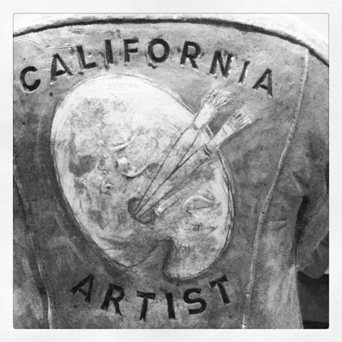 sfmoma:  inspirationcocoa:  #create #cali #sfmoma (Taken with Instagram)  Nice detail of the back of Robert Arneson's California Artist!