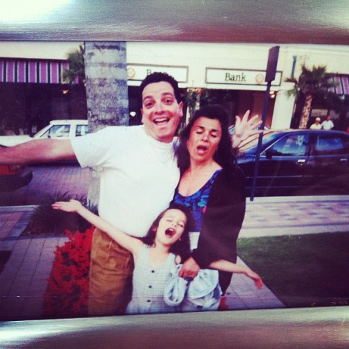 littlegleeprincess:  mom, dad & me (aka baby Rachel Berry)