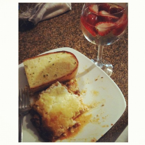 #lasagna and #wine 👸✨🍻 (Taken with Instagram)