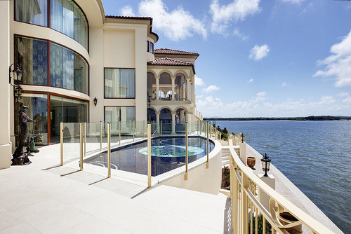 beautifulmansions:  follow this blog and ill follow back :]