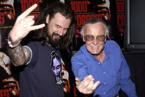 This picture made my day, today: Rob Zombie and Stan Lee! I'll be seeing Zombie in October (I bought tickets, but I'll probably be working the show, too, hah!). Fingers-crossed I get to see Stan Lee at NYCC in October, too!
