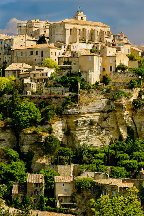 bluepueblo:  Ancient Village, Gordes, Provence, France  photo by Velda