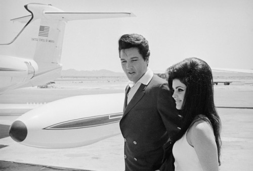 laundry-shaped-souls:  Elvis and Priscilla Presley  livin' the life