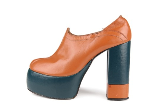 (via Shoe-Icons / Shoes / High heel platform leather shoes.)