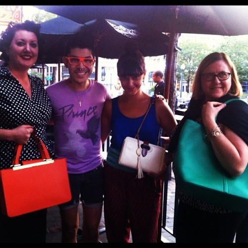 Mondo with the winners of new handbags from us! @handbagsdotcom #mondoguerra  (Taken with Instagram)