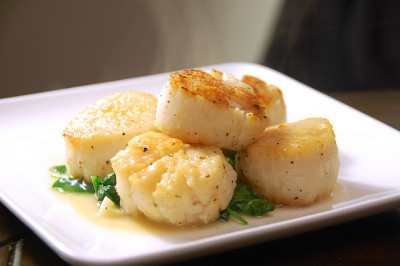 Pan Seared Sea Scallops by rkazda on Flickr.