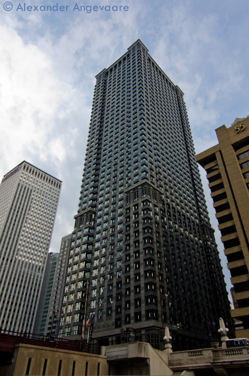 The Leo Burnett Building - 33 West Wacker Drive. ~ Chicago, Illinois