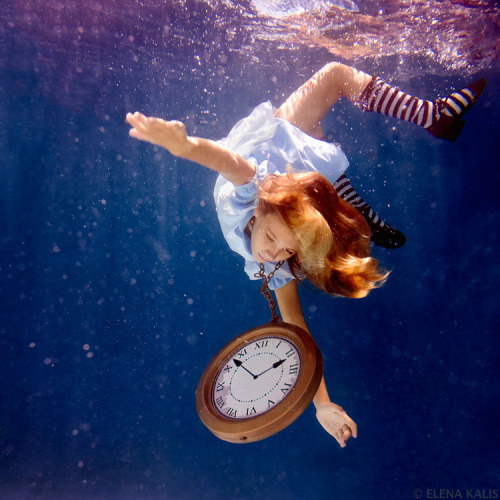 These Alice in Waterland pics are so trippy! I love pic #2 - ad http://bit.ly/O1A4jY