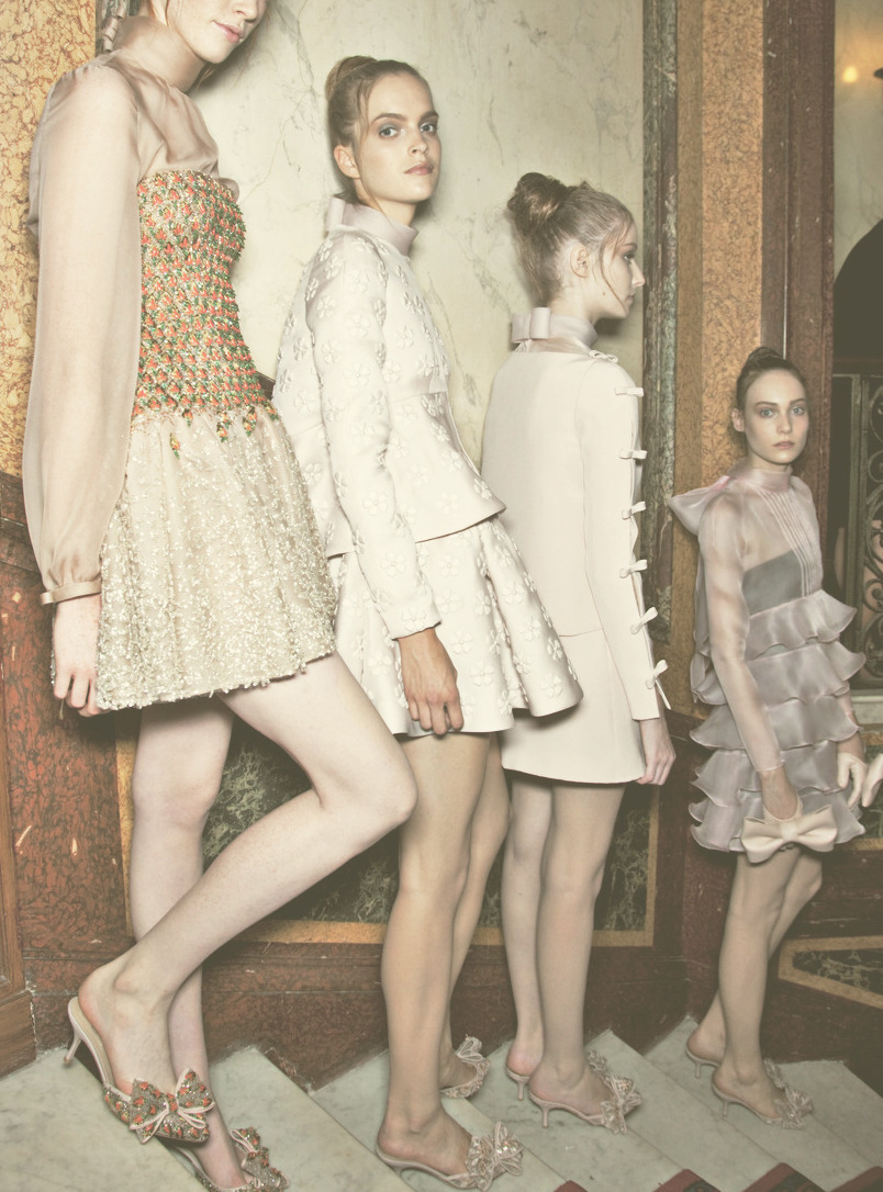 fuckyeahfashioncouture:  Backstage Valentino Haute Couture Fall/Winter 2010
