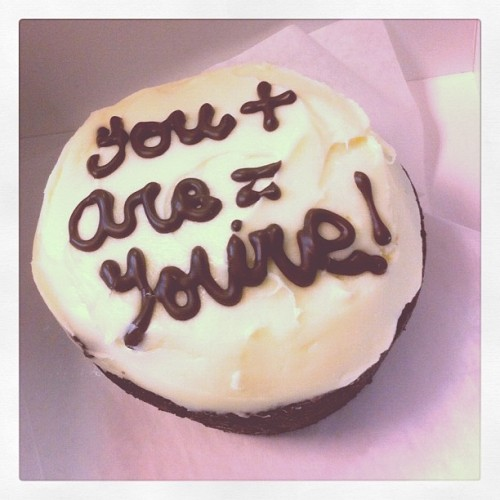 thecremefraiche:  grammar cupcakes #grammar #baking #food #sharefood (Taken with Instagram)  I think I just found what I'm going to bring for my staff at our yearbook orientation.