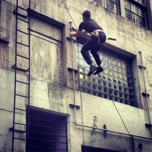 Stephen Amell or his stunt double (not sure which) rehearses stunt for Arrow in downtown Vancouver alley (I can't believe I missed this. I'd seen the filming notice and went to the alley but too late to see rehearsal). From Stephen Amell's Facebook page