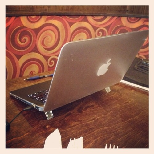 Juanchy's #FailBook #Dellbook #dell #macbook #macbookair #fail #mac #air (Taken with Instagram)