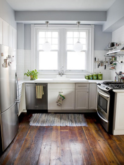 So many elements of my dream kitchen in one photo— I can hardly stand it!