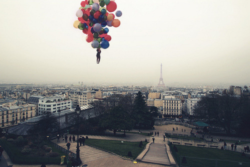 Elle hovers at 2 balloons. Paris Holidays taken by a very worried Rose.