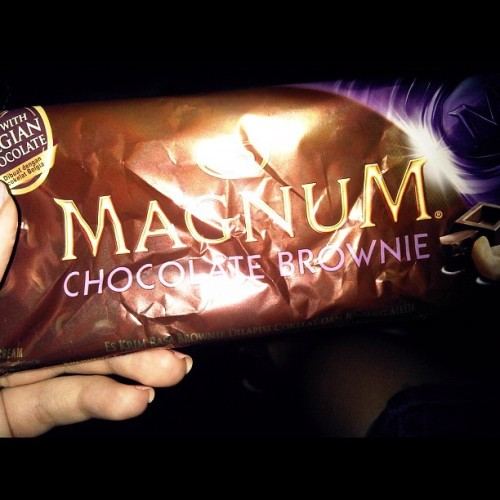Saingannya Almond Magnum #ig #igers #instago #instagood #igpescara #instadaily #instadailypix #instagrammer #instagramhub #gf_daily #gang_family #gf_indonesia #instanusantara #bestoftheday #bestof2012 #bestagram #contestgram #statigram #picoftheday #photooftheday #realig #clubsocial #iphonesia #iphoneography #icecream #dessert #delicious #food #foodporn #food_hub (Taken with Instagram at Jl. Lebak Bulus III)