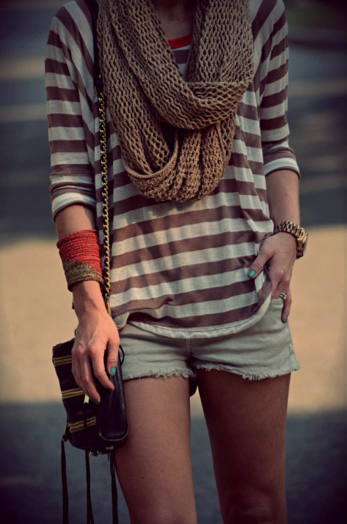 Stripes + Scarf + Shorts = love. Gorgeous fashion site with great photography.