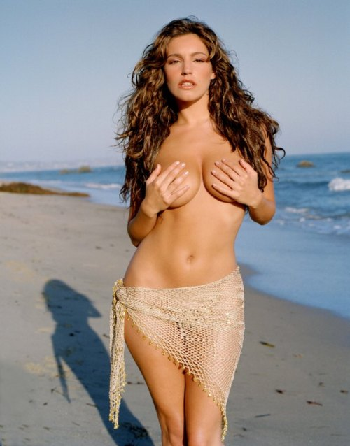 entre-seus-rins:  Kelly Brook
