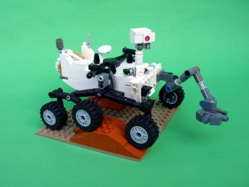 abluegirl:  DIY Lego Mars Curiosity Rover.  I need to make this now. Weekend project!