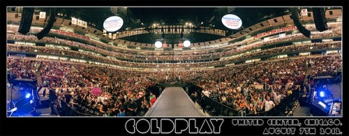 coldplay:  Here's the pre-show crowd panorama shot from last night's first show in Chicago. Get the hi-res version at http://cldp.ly/chipano - and, if you're coming tonight, we'll see you later…  Was at this show! BEST SHOW EVER!!!