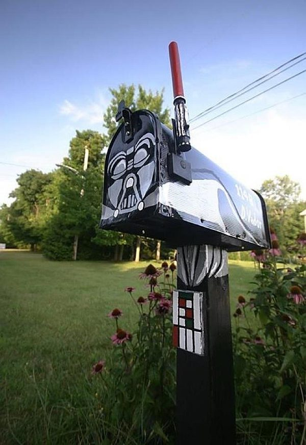 "Awesomely Clever Darth Vader Mailbox There's officially licensed mailboxes for things like football, baseball, and even NASCAR, but there seems to be an untapped market for geeky mailboxes. As Geeks Are Sexy points out, ""Never underestimate the power of a geek with a paintbrush and a little free time on his hands."""