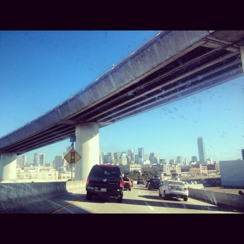 Good Morning San Francisco! #morningcommute @caytopper  (Taken with Instagram)
