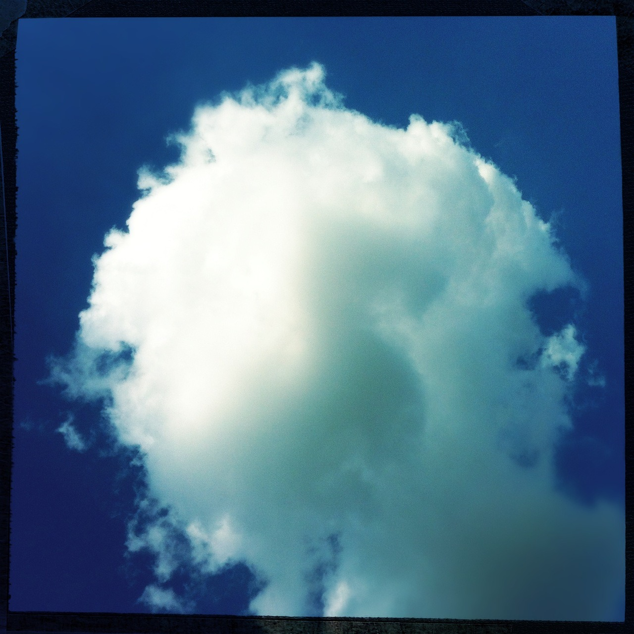 #cloud Americana Lens, Big Up Film, No Flash, Taken with Hipstamatic