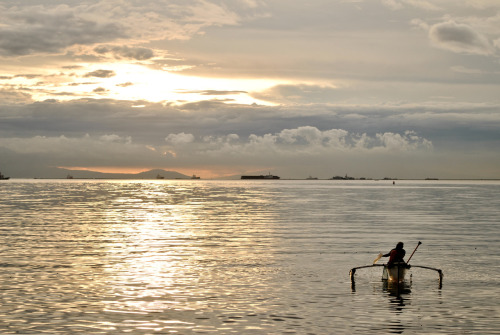 mikerebuyas:  Tranquil. I am hoping I'd get to see Manila Bay this way again.