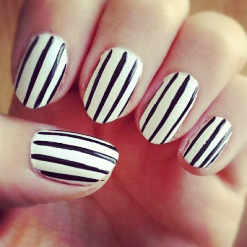 black and white nails on Tumblr