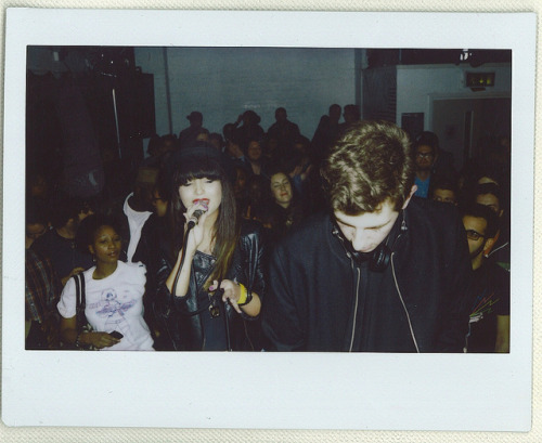 jamiexxsmith:  ytbr11 yasmin and jamie by caiusp on Flickr. Jamie XX and yasmin performing at a Boiler Room Event