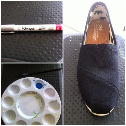 The set up…. #painting #toms  (Taken with Instagram at garage - painter's studio)