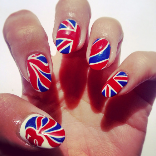 nailsbymh:  More patriotic manicures - Go Team GB!