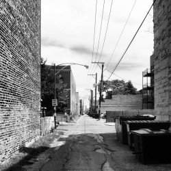 An #alley near me.  #chi #AwesomeDahlsim  (Taken with Instagram)