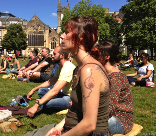 Sit in Peace Medmob Bristol!Images & Reviews of the meditation flashmob on college green Bristol.  http://wp.me/p1ZGTS-1yp  View Post shared via WordPress.com