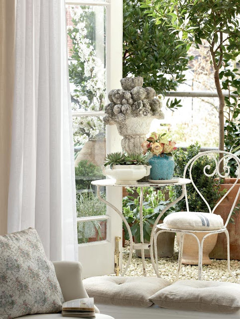 shabby chic indoor-to-outdoor