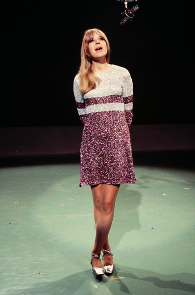 Prettiest little outfit! modcloth:  theyroaredvintage:  Marianne Faithfull, 1966. Such a gorgeous dress!