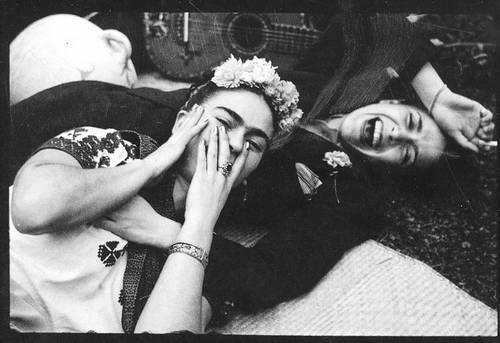 noterajeschicanita:  lavidaennegro:  Frida y Chavela.  i love this so much!
