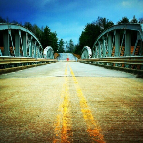 Point of no return #puremichigan  #bridge #dabinsi  #horror (Taken with Instagram)