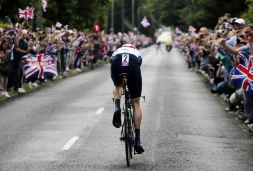runridewine:  Bradley Wiggins on his way to winning gold in the London 2012 Olympics TT. (source: CyclingNews)