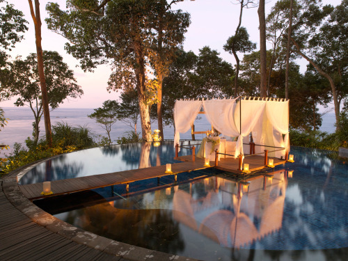 jetsetterphoto:  Private dinner over the pool: Indonesia
