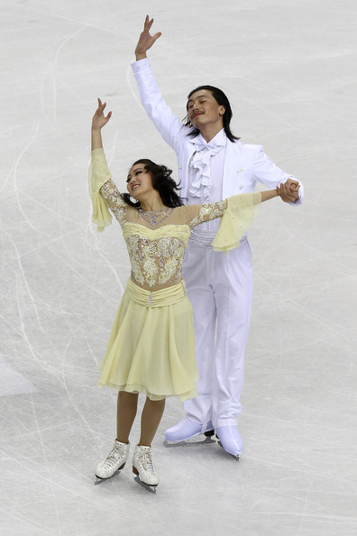 Xiaoyang Yu and Chen Wang performing the Golden Waltz compulsory dance at the 2010 World Championships. Photo by Clive Rose.
