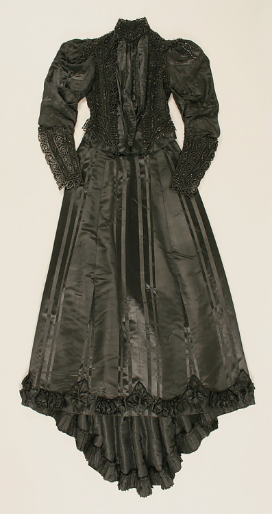 Dress Emile Pingat, 1891-1893 The Metropolitan Museum of Art