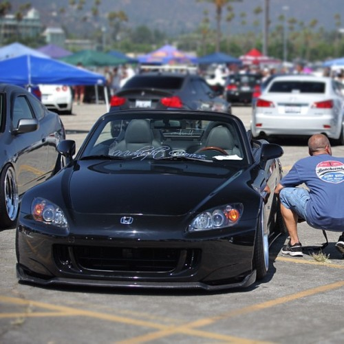 #Honda #S2000 #S2K #s2ki #slammed #stance It cracks me up when I see guys at carshows posing next to cars that they don't own or haven't driven. Maybe I'm the only one who thinks this way, but I just think it's kinda weird. LOL  (Taken with Instagram)