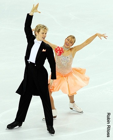Christina Chitwood and Mark Hanretty performing the Golden Waltz compulsory dance at the 2010 World Championships.