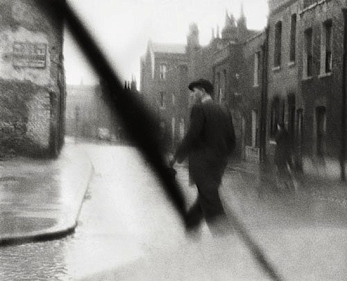 Rob Gnant Regen, London, 1957