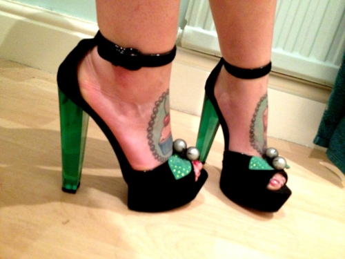 cherriesandpsychobetties:  stupidly high but sexy shoes :)