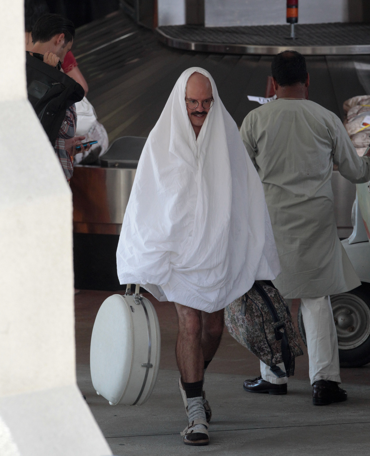 David Cross on the set of Arrested Development yesterday EEEE!
