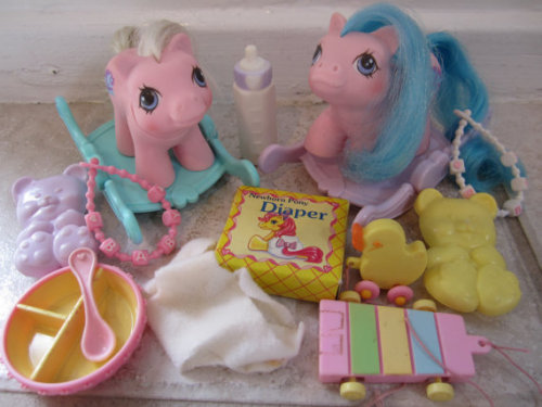imremembering:  My Little Pony Twins Sticky & Sniffles via toysofthe80s  Totally had these two!